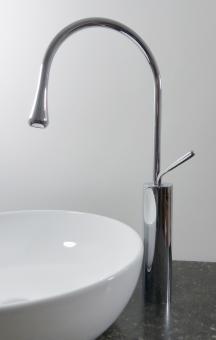 Hohe Design Armatur für große Aufsatz Waschbecken Chrom