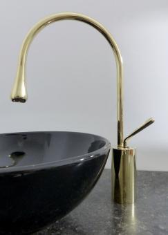 Hohe Design Armatur für 31cm Aufsatz Waschbecken gold
